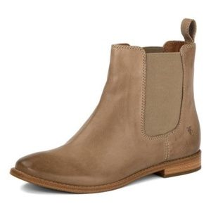 NWT FRYE CHELSEA ANNA BOOTS ~ 8.5 ~ ASH COLOR ~